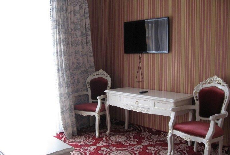 Санаторій «Женева» Трускавець  Двокімнатний Люкс (De Luxe Suit) Фото №1