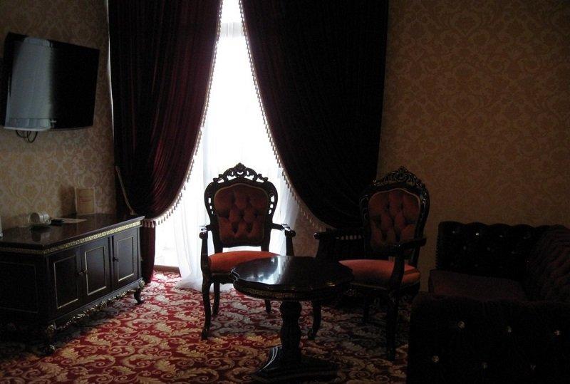 Санаторій «Женева» Трускавець  Двокімнатний Люкс (De Luxe Suit) Фото №2