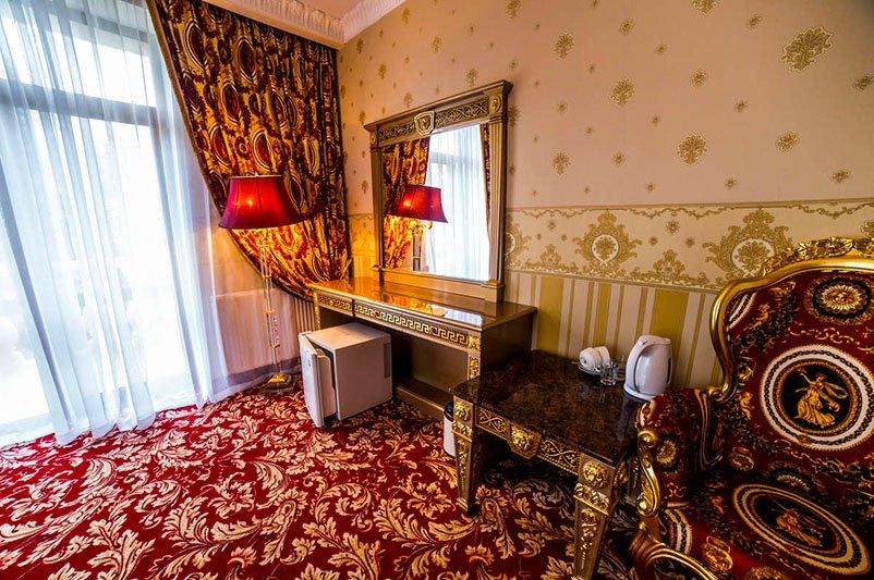 Санаторій «Женева» Трускавець  Двокімнатний Тематичний Люкс (De Luxe Tematik)   Фото №3