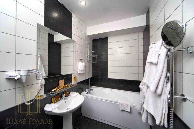 Санаторий «Шале Грааль» Трускавец Трехкомнатные апартаменты (Junior Suite Apart) Фото №5