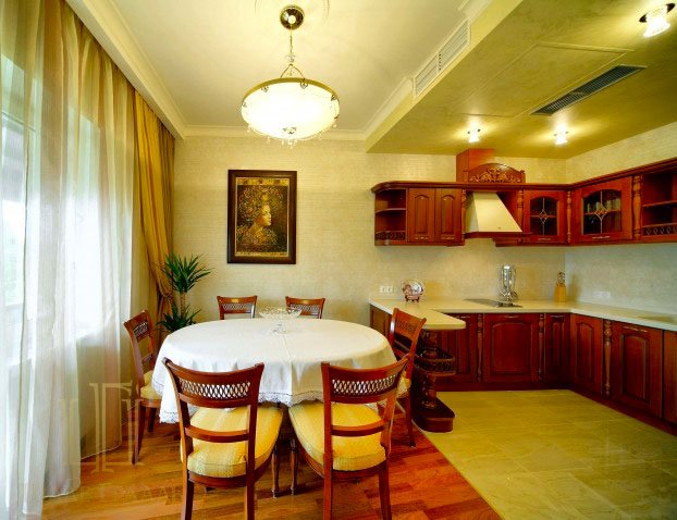Санаторий «Шале Грааль» Трускавец Королевские Апартаменты (Royal Apart) Фото №4