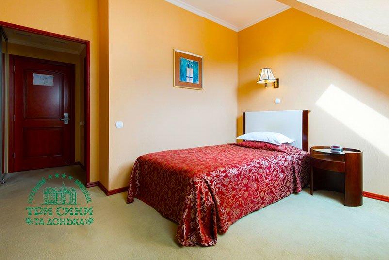 Готель «Три Cини та Донька 4 *» Східниця  Одномісний Стандарт Мансарда Фото №1