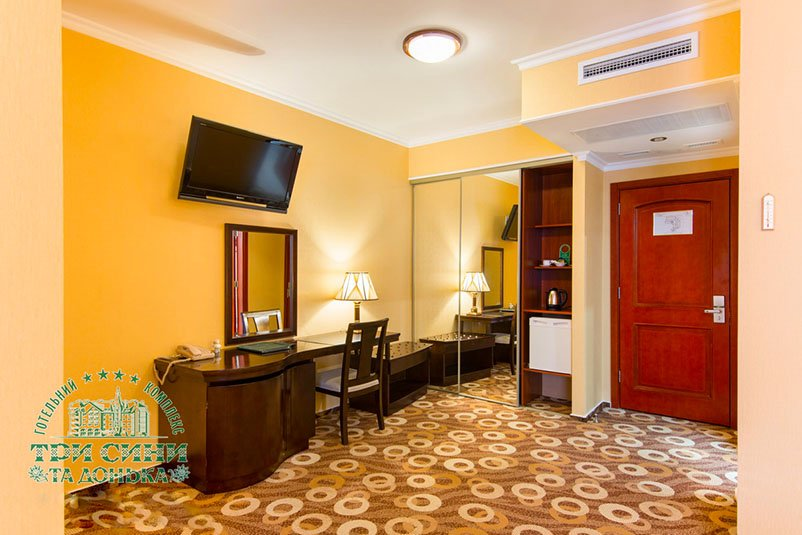 Отель «Три Cына и Дочка 4 *» Сходница Стандарт улучшенной планировки Премиум Фото №7