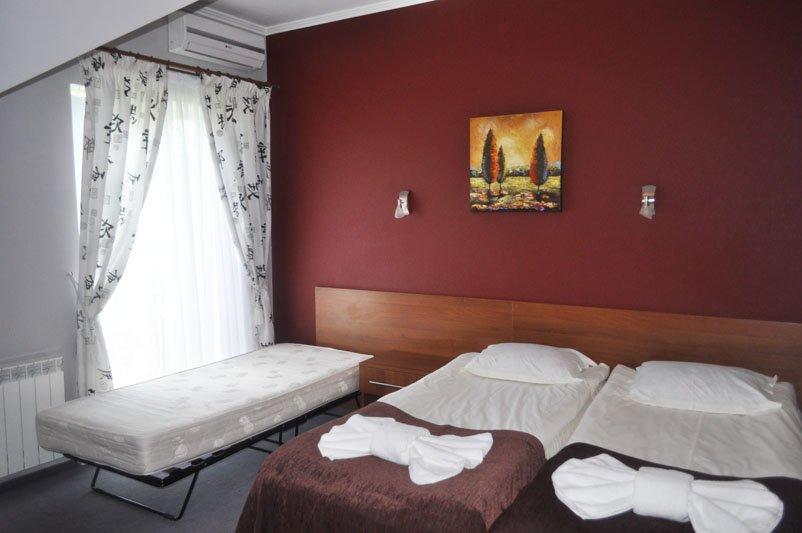Санаторій «Санта Марія» Східниця  Двокімнатний номер Люкс з каміном Фото №7