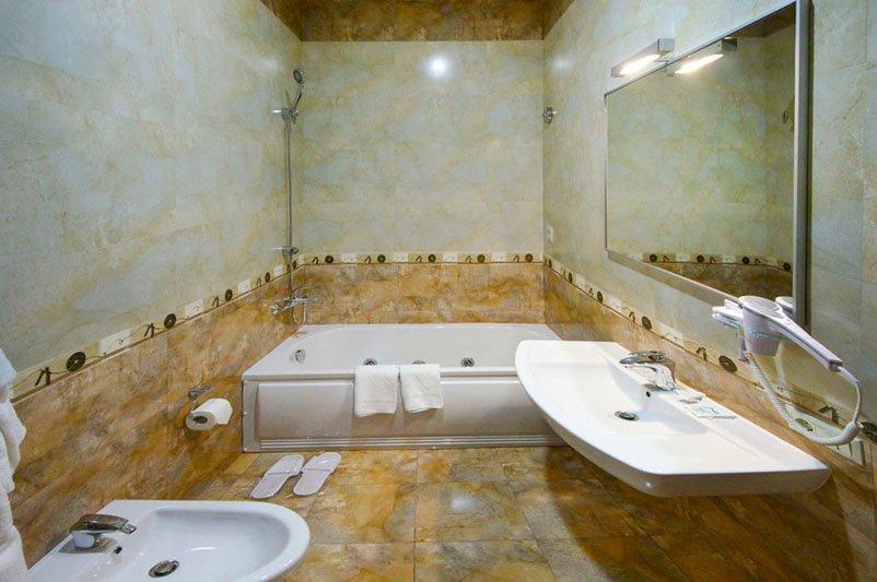 Готель «ДіАнна» Східниця   Півлюкс Junior Фото №7