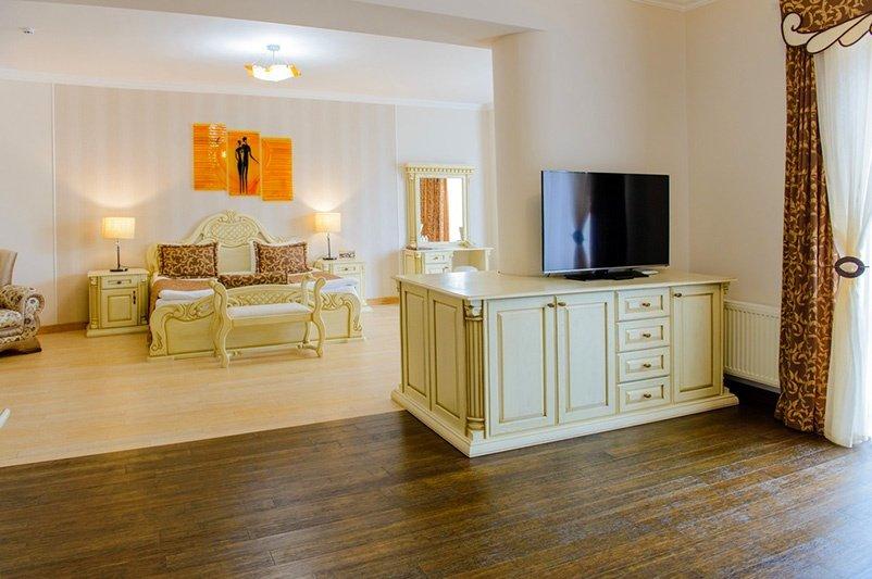 Готель «ДіАнна» Східниця   Люкс Superior Фото №3