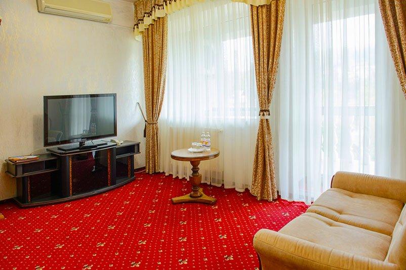 Готель «ДіАнна» Східниця   Люкс Classic Фото №1