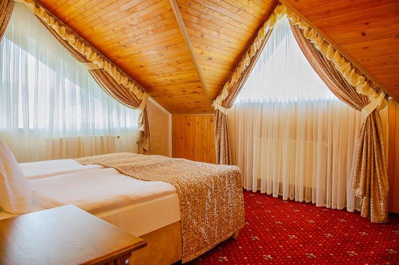 Готель «ДіАнна» Східниця   Люкс Classic Фото №4