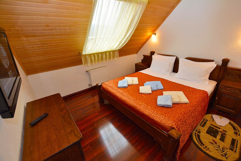 Готель «ДіАнна» Східниця   Люкс Comfort Фото №1
