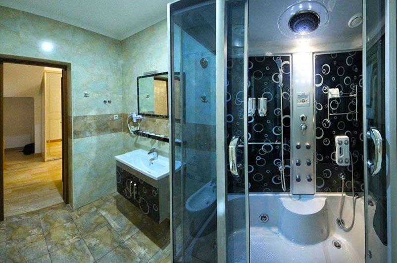 Готель «ДіАнна» Східниця   Двохрівневий Люкс Фото №4