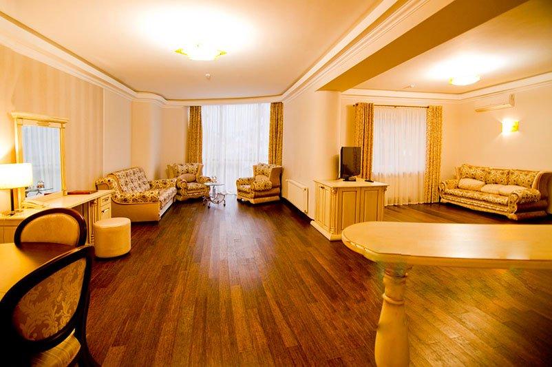 Готель «ДіАнна» Східниця   Трьохкімнатний Люкс Фото №6