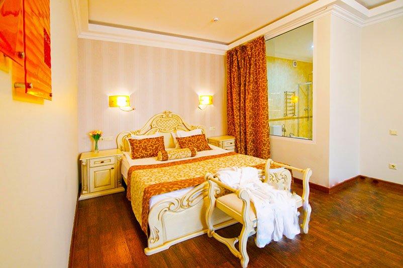 Готель «ДіАнна» Східниця   Трьохкімнатний Люкс Фото №5