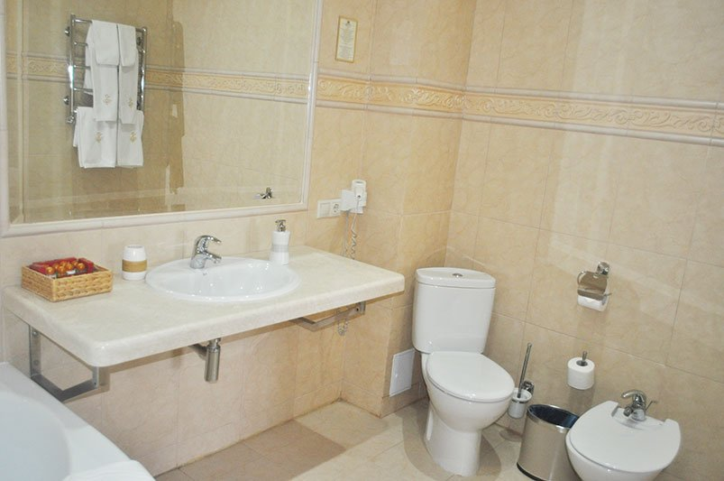 Готель «Респект» Східниця Номер Панорамний Люкс Фото №2