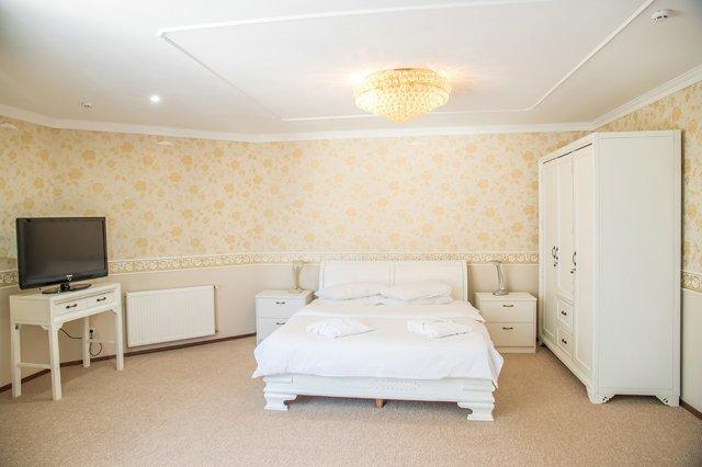 Санаторий «Аркадия» Моршин 3-комнатные 2-местные Апартаменты Фото №1