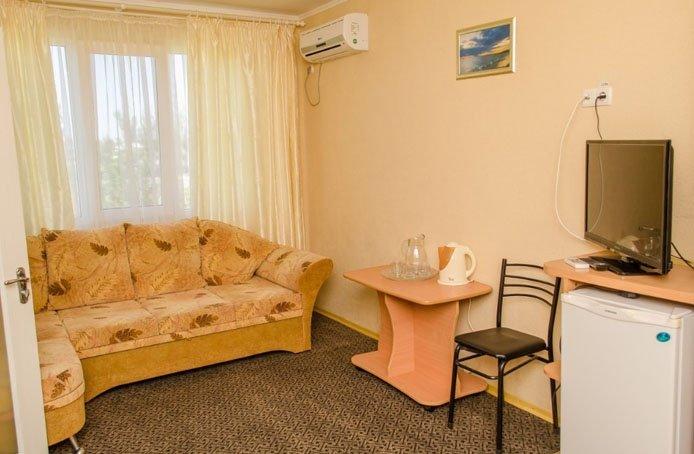 Санаторий «Нефтехимик Украины» Семейный 1-комнатный Фото №3
