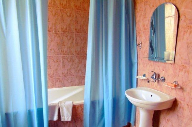 Санаторий «Квитка Полонины» Закарпатье 2-местный 2-комнатный Полулюкс Фото №8