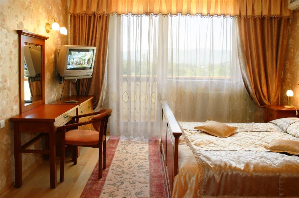 Санаторий «Сузирье» Закарпатье 2-комнатный 2-местный номер 5 мансардный этаж Фото №1
