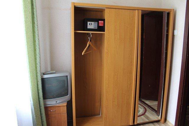 Санаторий «Солнечное Закарпатье» Поляна 2-комнатный 2-местный номер 1 категории Фото №4