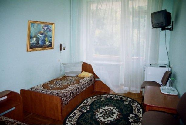 Санаторій «Синяк» Закарпаття 1-кімнатний 1-місний номер підвищеної комфортності (корпус №3,5) Фото №1