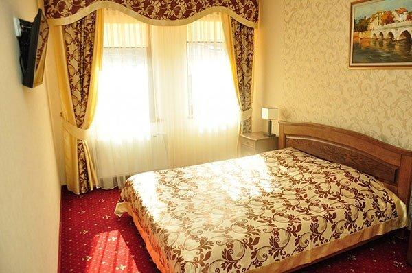 Отель «Жаворонок» Берегово Люкс (101С, 103C, 104С, 105С) Фото №1