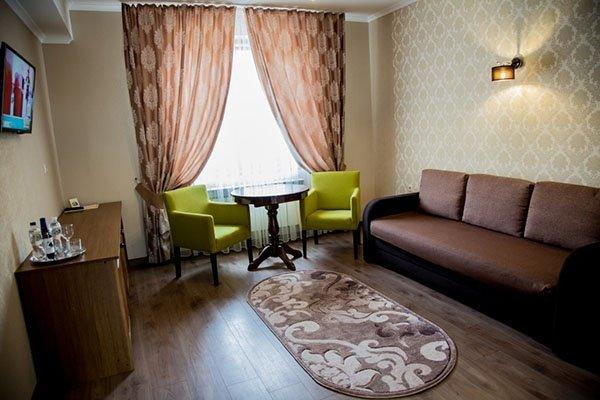 Отель «Жаворонок» Берегово Люкс с детской комнатой (104D, 206D) Фото №1