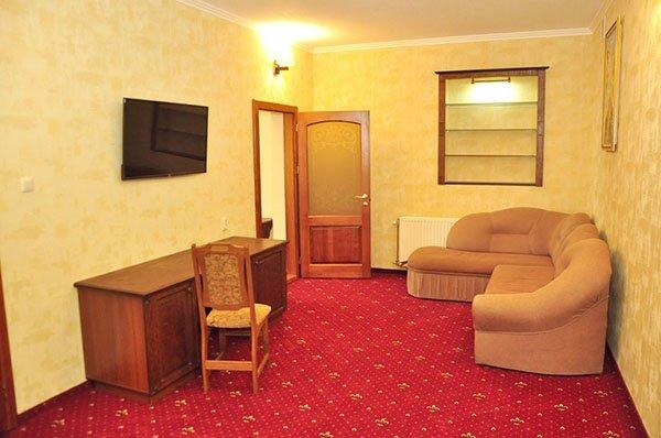 Отель «Жаворонок» Берегово Люкс (105А, 205А) Фото №2