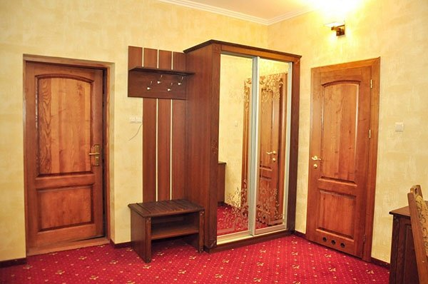 Отель «Жаворонок» Берегово Люкс (105А, 205А) Фото №5