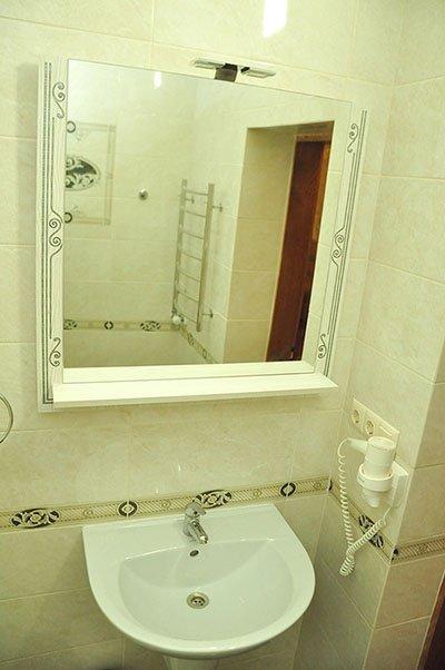 Отель «Жаворонок» Берегово Люкс (105А, 205А) Фото №7