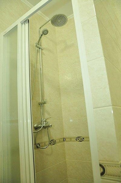Отель «Жаворонок» Берегово Люкс (105А, 205А) Фото №8
