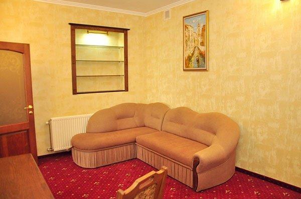 Отель «Жаворонок» Берегово Люкс (105А, 205А) Фото №1