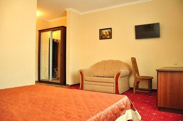 Отель «Жаворонок» Берегово Полулюкс (103А, 203А) Фото №2