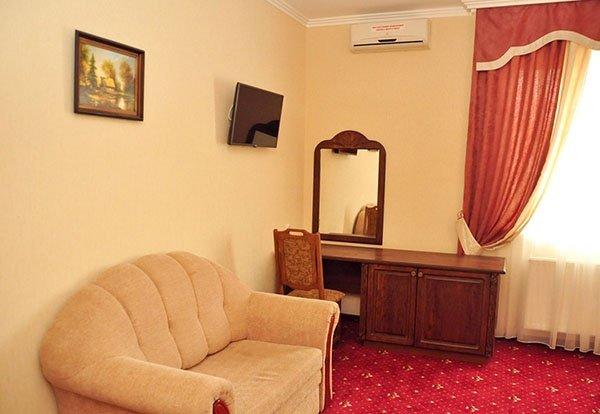 Отель «Жаворонок» Берегово Полулюкс (103А, 203А) Фото №3