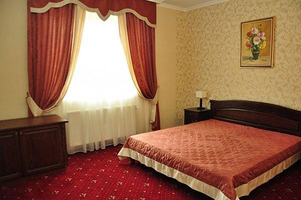 Отель «Жаворонок» Берегово Полулюкс (103А, 203А) Фото №1