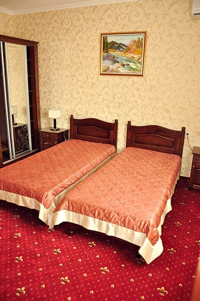 Отель «Жаворонок» Берегово Стандарт (101А, 201А, 204А, 104А) Фото №1
