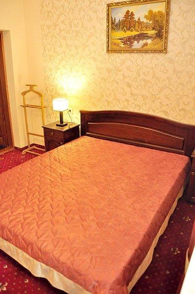 Отель «Жаворонок» Берегово Стандарт (102А, 202А) Фото №1