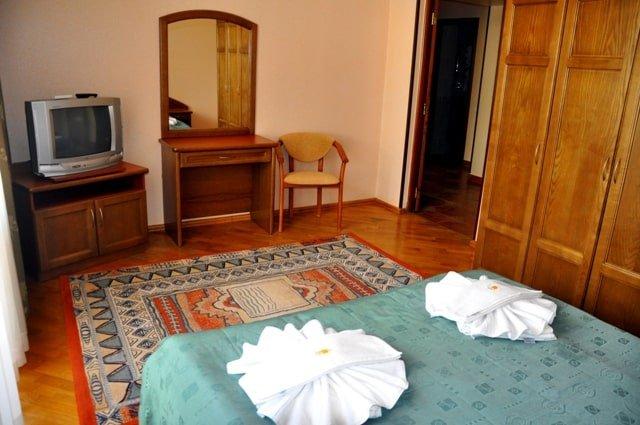 Санаторий «Солнечная Поляна» Закарпатье Апартаменты трехкомнатный Фото №3