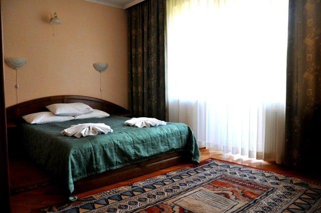 Санаторий «Солнечная Поляна» Закарпатье Апартаменты трехкомнатный Фото №1