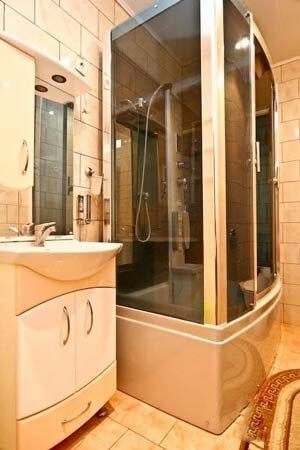 Санаторий «Полтава» Миргород 3-х комнатный люкс (Категория В) Фото №7