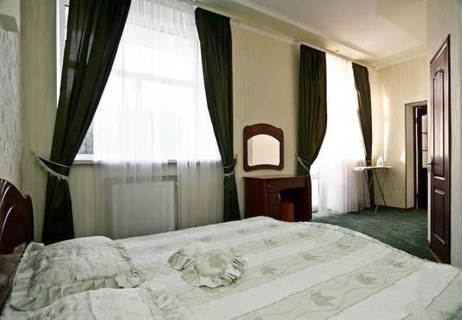 Санаторий «Березовый гай» Миргород  Люкс 2-комнатный (категория а повышенный) Фото №3